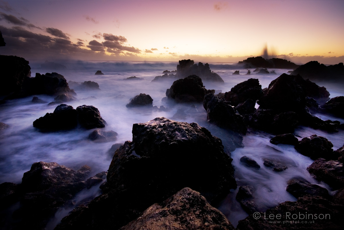 lee robinson photography, www.photol.co.uk, photo of sunset Easter island, waves crashing on rocks